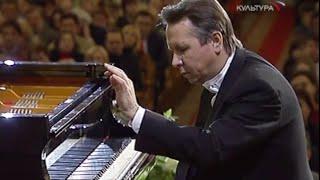 Mikhail Pletnev plays Chopin Preludes, op. 28 - video 2004