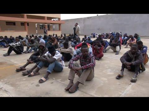 أخبار عربية - غرفة إيطالية ليبية مشتركة لمكافحة تهريب المهاجرين  - 21:23-2017 / 12 / 9
