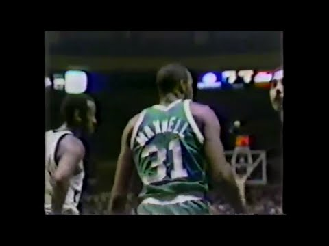 Cedric Maxwell (24pts) vs. Knicks (1980)