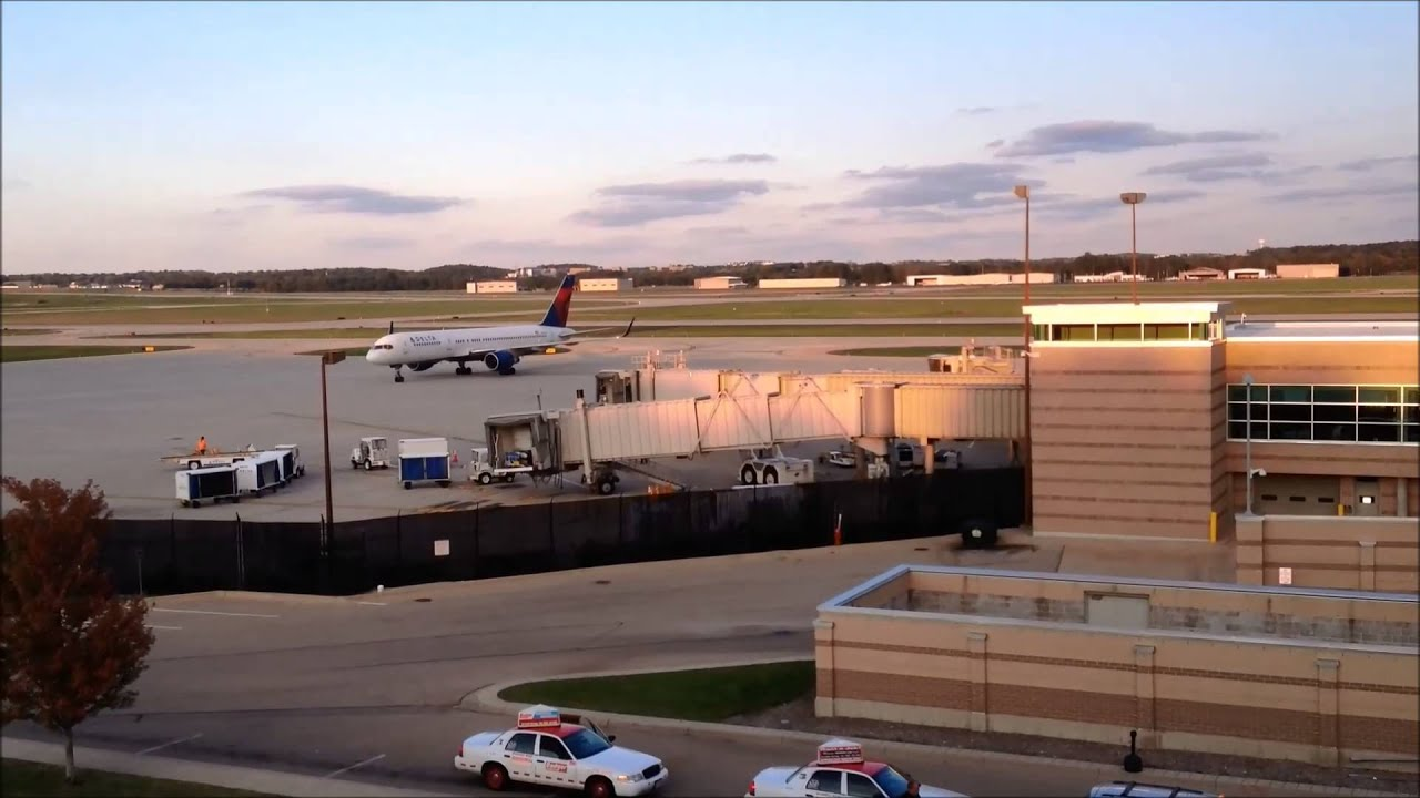 Epic Madison Wi >> Plane Spotting at Dane County Regional Airport! EPIC systems charter flights! - YouTube