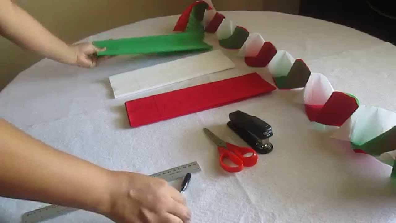 Como hacer cadenas con papel crepe youtube - Manualidades con papel de colores ...