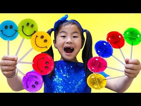 Смотреть Rainbow Fruit Lollipops Color Song | Jannie Pretend Play Learn Colors Nursery Rhymes & Kids Songs онлайн
