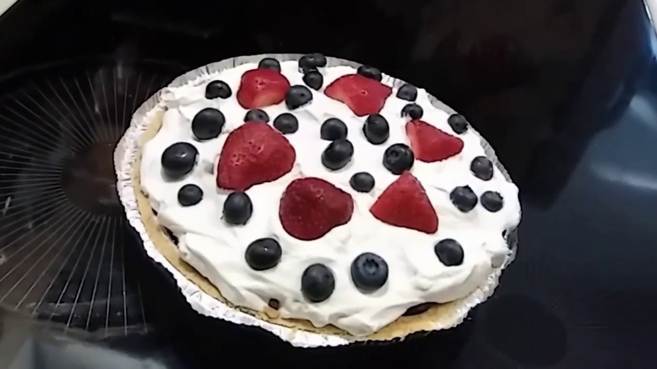 (350) Easy No Bake Pie – RED, WHITE and BLUEBERRY Patriotic Pie - Re load - YouTube