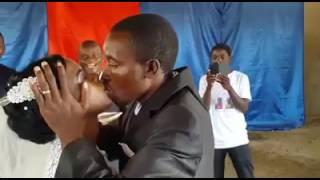 Video Funny wedding clip- you may now kiss the bride download MP3, 3GP, MP4, WEBM, AVI, FLV Januari 2018