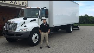 2012 International 4300 with Tuck Away Lift