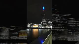 런던 브릿지 위에서 본 야경