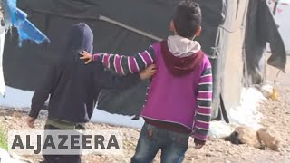 Syrian refugees: Lebanon's camps worsen in the cold