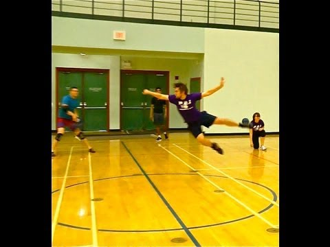 Dodgeball (Flying is Allowed)