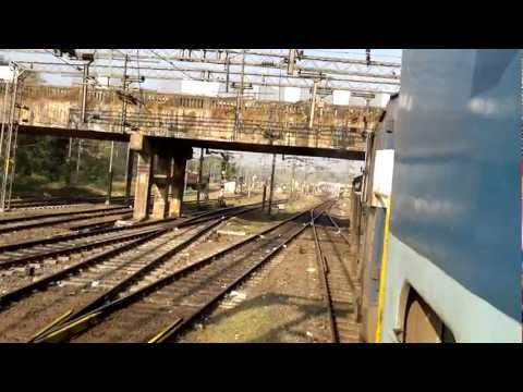 22610 - Palakkad Mangalore Intercity Express entering Shoranur