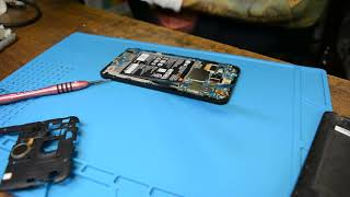 LG Nexus 5X замена аккумулятора. Меняем аккумулятор. Замена батареи.
