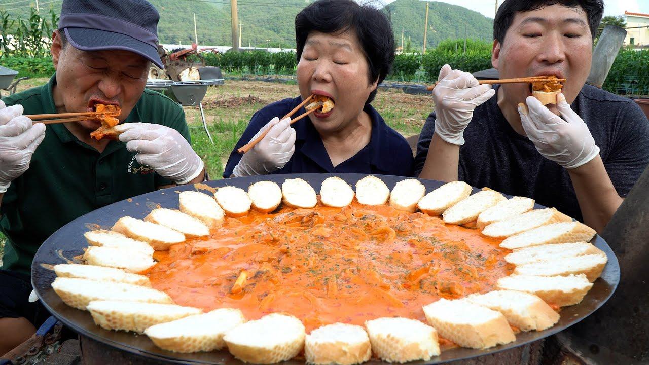 숯불에 구운 치킨을 단짠 로제 소스에~ 훌랄라 로제 치킨 먹방! (Smoked chicken with Rose sauce) 요리&먹방!! - Mukbang eating show