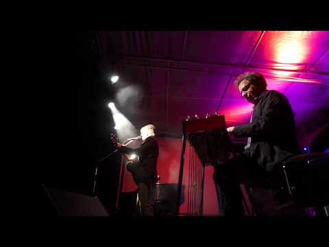 Neil Finn & Lucky Oceans @ Sandalford Winery _part one _Private Universe