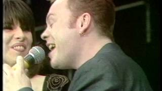 UB40 & Chrissie Hynde - Breakfast in Bed