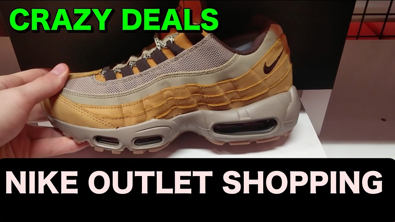 8b090bf6e Crazy Deals in the Nike Outlet