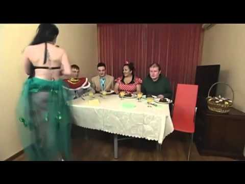 Избиение очкарика на званном ужине Яна Лукьянова