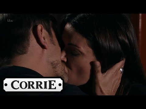 Coronation Street - Peter Manipulates Carla's Grief