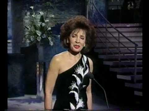 How do you keep the music playing -Shirley Bassey - Bruce Forsyth´s Show - 1991