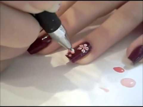Миндалевидная форма ногтей: тренд сезона