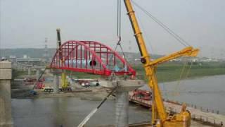 雙LTM1500合作吊水管橋