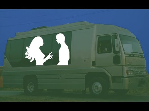 Vanity Van Is The New Meeting Adda For This Controversial Bollywood Couple | PEEK-A-BOO