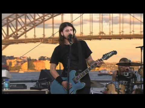 Foo Fighters - Up In Arms/Big Me (live)