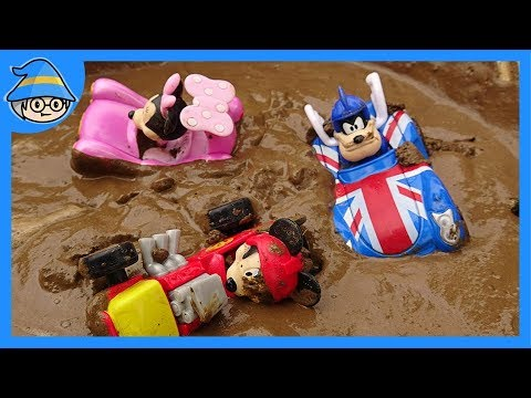 Disney Mickey Mouse The car is in the mud. Take out of the construction site toys.