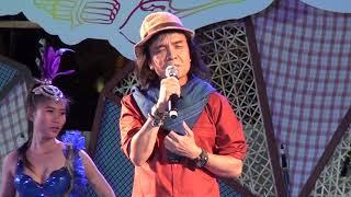 ครูสลา คุณวุฒิ โขง ชี มูล ในงานศิลป์ ถิ่นสนุก เครื่องเสียง เวที โดย ตัวตอ.สตูดิโอ 04