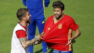 Pique makes Ramos and Diego Costa laugh during Spain training | 2017