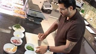 Рецепт от Азбуки Вкуса: морские гребешки по-испански(Вам понадобится: • Гребешки - 500 гр. • Сладкий зеленый перец - 1 шт. • Зеленый лук - пучок среднего размера..., 2011-02-24T12:37:38.000Z)