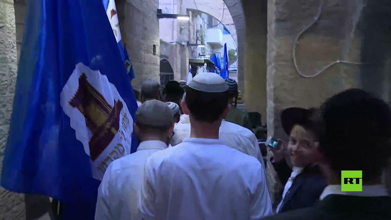 مصلون يهود يطوفون حول جبل الزيتون في القدس  - 23:55-2021 / 6 / 10