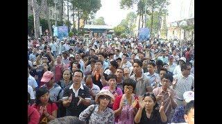 Người dân Đà Nẵng biểu tình trên đường Bạch Đằng phản đối cho Trung Quốc thuê Đất 99 năm