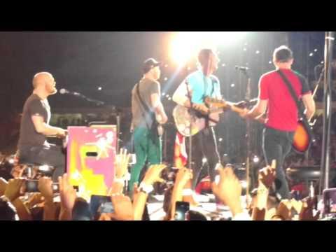 Coldplay - In my place (live) Estadio Nacional Lima Perú 2016