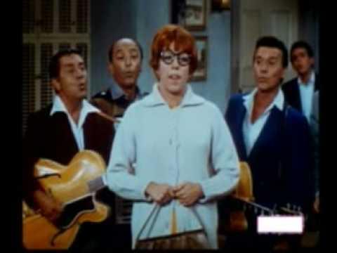 Carol Burnett sings