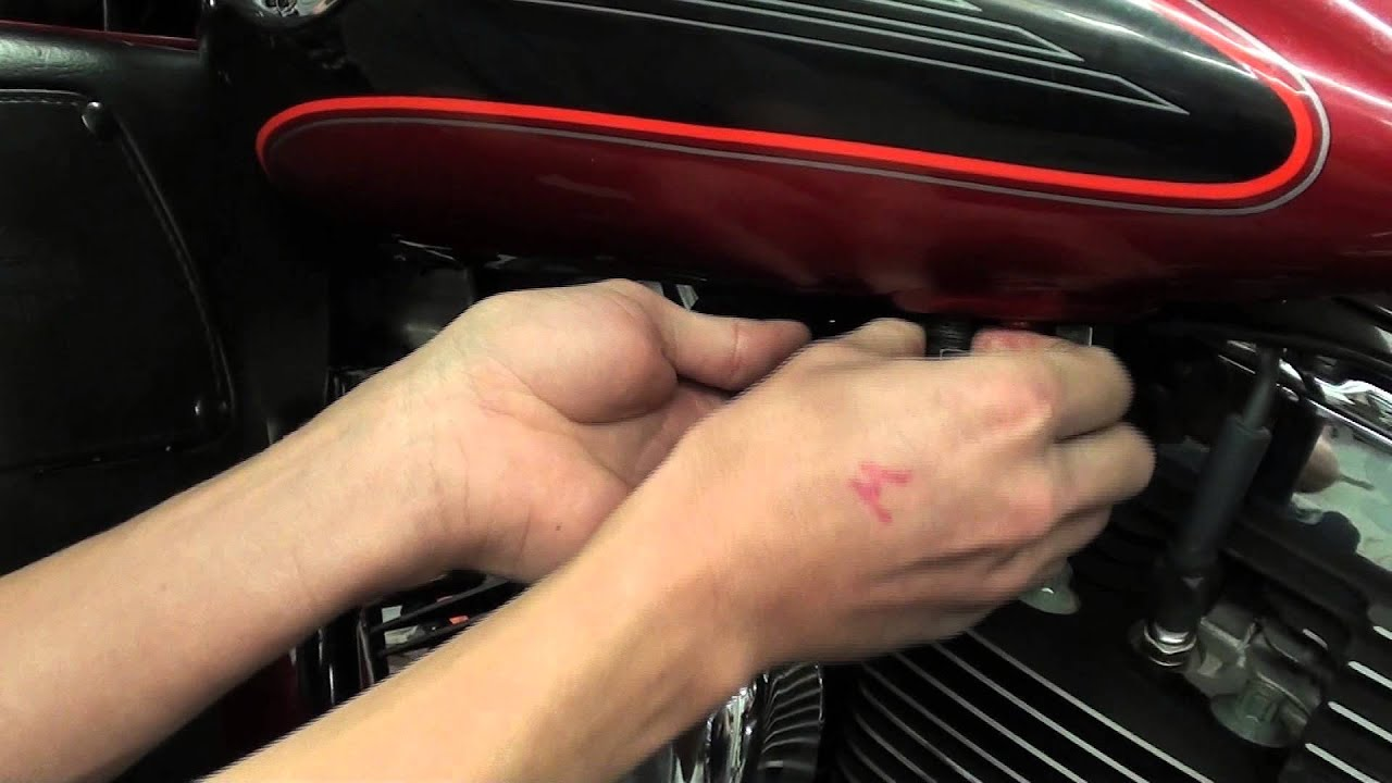 Tech Time Fuel Line Fix Youtube 2014 Harley Fxdl Wiring Diagram