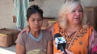 Apoya Marina Calderón con bolsas para diálisis y medicamento a madre de familia
