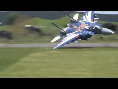 Tai nạn máy bay của Tây nó cũng khác của ta quá :)