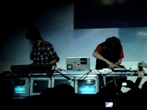 Prefuse 73 - Perverted Undertone, Live Santiago
