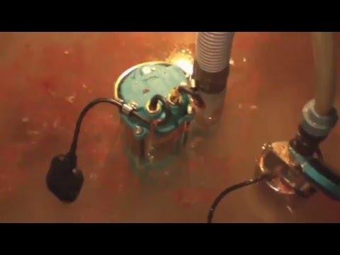 Работа канализационного насоса (sewage pump)