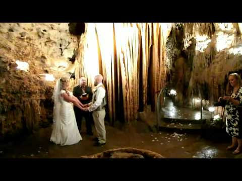 The Graves' Bridal Cave Wedding in 360 HD 4K Video with Kyle Dillingham playing Amazing Grace!