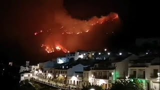 One thousand evacuated as fire spreads through Gran Canaria