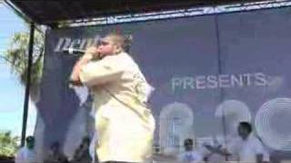 ARO SANCHEZ PERFORMING LIVE FROM THE 305 CALLE 8 (MR 305 STAGE)