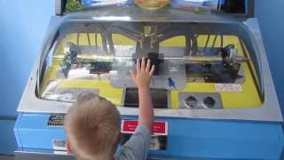 Classic Mold-a-rama still in use at the Zoo!