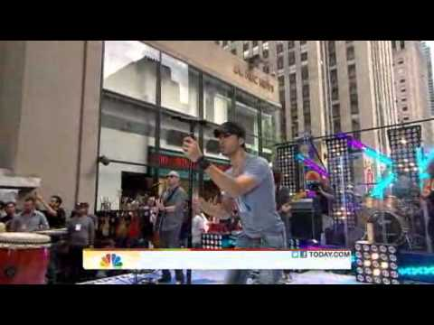 Enrique Iglesias Performs Be With You on the TODAY Show
