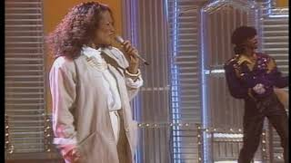 Carrie Lucas - Summer In The Streets (Live on Soul Train)