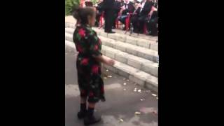 Бабка танцует! Зажгла 😂