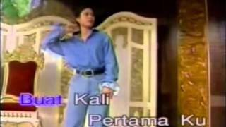 Download Lagu DALAM GERIMIS   VISA Karaoke mp3