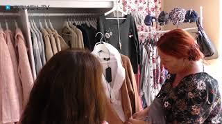 """In der boutique pünktchen rödermark im landkreis offenbach erwartet sie """"vintage and more""""!inhaberin sabine weber bietet ihrem modegeschäft eine außero..."""
