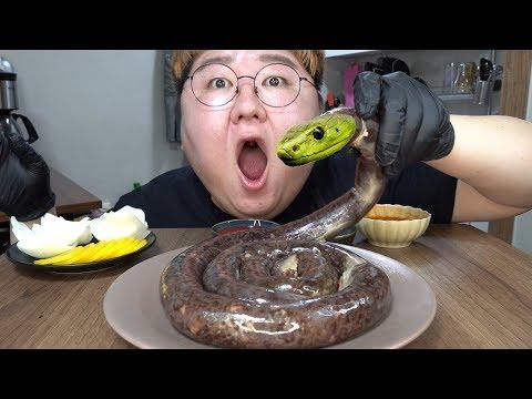 ENG SUB) 뱀 아니에요!! [[ 이마트 노브랜드 순대 1Kg ]] 먹방 Blood Sausage 1kg Mukbang social eating