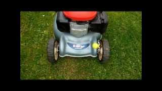 Видео HONDA IZY HRG 415c PDE Mower Mäher in HD (автор: BerlanGermany)
