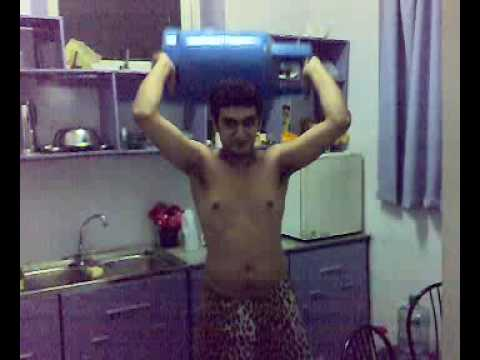 Brandon lifting gas cylinder